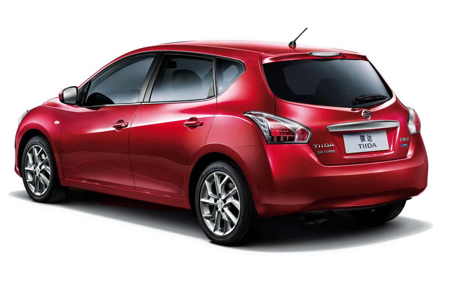 Nissan Tiida Hatchback 5d
